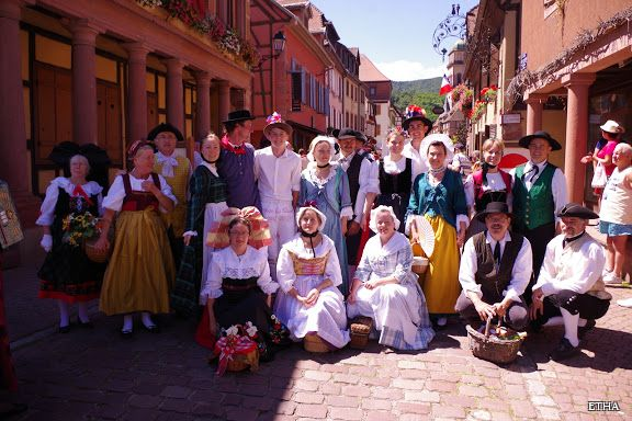 """Traditionelles Ensemble"" Haute Alsace"